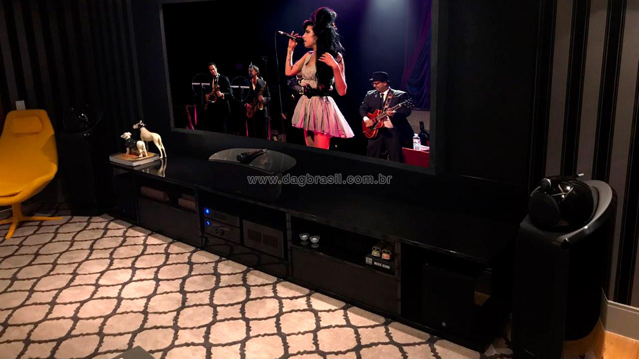 Projeto de Sala de Home Theater de Luxo | Sala de home theater com caixas B&W em Salvador | Dag Brasil
